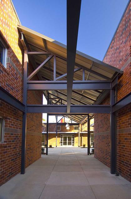 pollock-commercial-glassworks-corridor